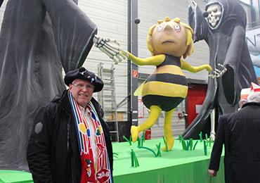 Der Schutz von Bienen liegt Stadtsuperintendent Rolf Domning am Herzen