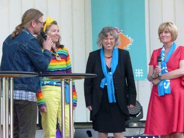 Auch Vizepräses Petra Bosse-Huber (2. von re.) war zu Gast auf der Rheinischen Bühne und war sichtlich guter Stimmung. Foto: Susanne Hermanns