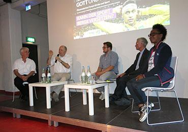 (v.l.): Eugen Eckart, Nikolaus Schneider, Boris Lieven, Franz Meurer und Shary Reeves