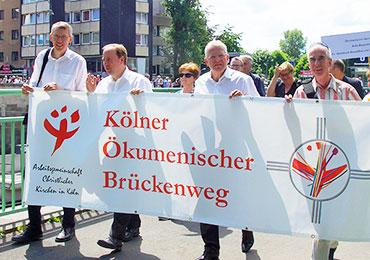 Diakon Jens Freiwald (v. li.), Stadtdechant Msgr. Robert Kleine, Stadtsuperintendent Rolf Domning, Pastor Albrecht Adam