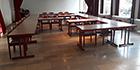 85 Stühle, 17 Klapptische zu verschenken