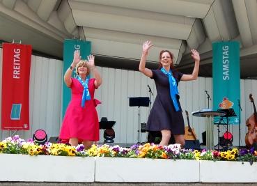 Susanne Hermanns und Sabine Putzler machten nicht nur Kabarett (Bild), sondern moderierten auch eine Talentprobe. Foto: Angelika Knapic