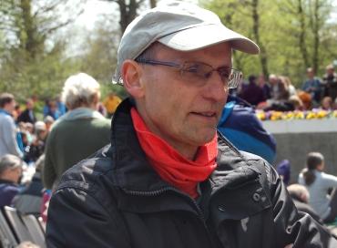 Viele Menschen besuchten die Rheinische Bühne, wie hier der Lindenthaler Pfarrer Armin Beuscher. Foto: Angelika Knapic