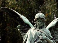 """""""Denn er hat seinen Engeln befohlen..."""": Grabplastik nach Psalm 91 zur Zeit Mendelssohn Bartholdys, der ihn vertonte."""