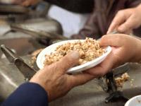 In New York, in Lyon oder in Köln: Immer mehr Menschen sind auf einen Teller aus der Suppenküche angewiesen.