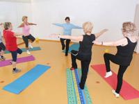 """""""Lebensfreude im Alter ist nur eine Frage der Balance!"""" sagte der junge Fitnesstrainer, er war wohl kaum 30."""